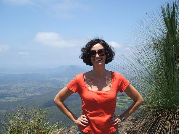 Изабела Шопова, Интервю за електронна книга На изток - в Рая